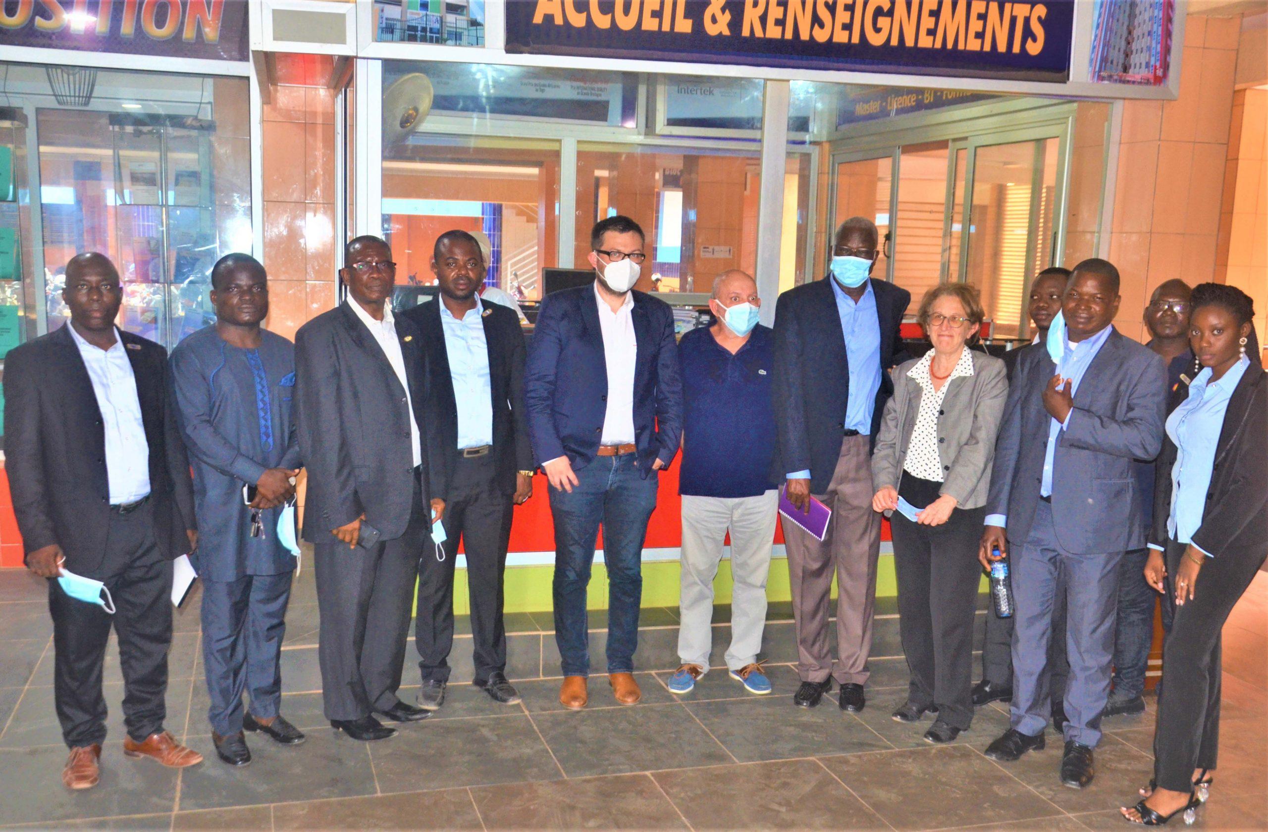 Séances de travail des cadres de FORMATEC avec des partenaires (délégation allemande) dans le cadre du projet SIFA, projet de financement de la construction d'un laboratoire de référence  dans la sous région à FORMATEC.